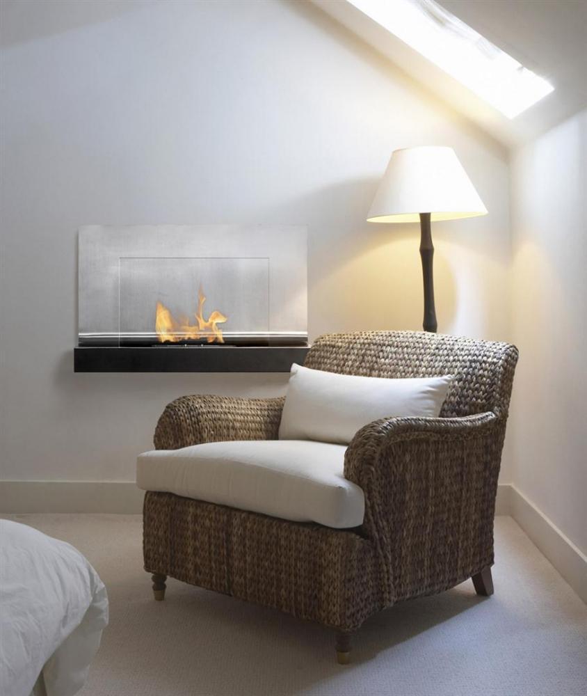Foyer Flora     Dim:31.5 po  long x 19.75 po haut x 14 po profond avec brûleur de 1.5 litre qui brûle de 5 a 6 h dégage 6000 BTU couleur noir et stainless.Prix:$879
