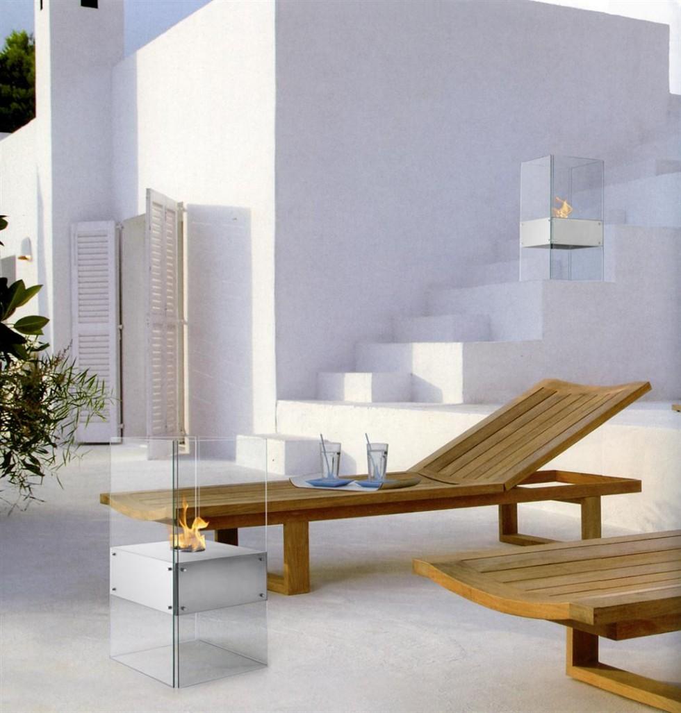 Foyer Toscano  Dimension 14.88 x 14.88 x 28 po de haut.Couleur Stainless.$450