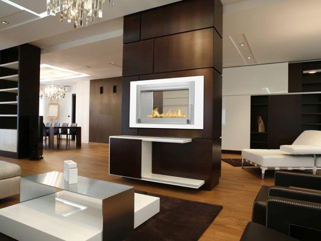 Foyer Monté Carlo ( double face )   Dim:47.25 po long x 22.80 po haut x 7.80 po profond avec brûleur de 2.7 L qui a une flamme de 22 po de long.Prix:$3199 en noir et stainless $3399 en blanc et stainless