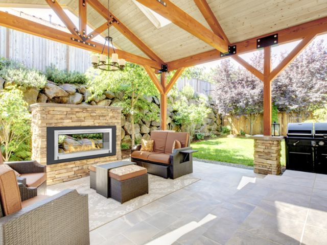 Foyer Santa Cruz (double face)     Dim:63 po long x 22.75 po haut x 8.87 profond avec brûleur de 3.65 L en noir et stainless ou blanc lustré et stainless.Prix:$3200